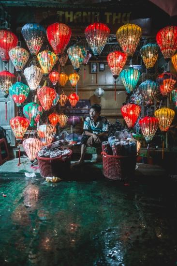 Lantern Maker Rain Hội An